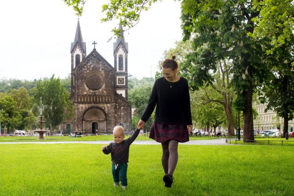 Мама с сыном в Праге