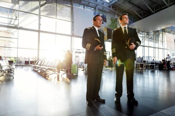 Пилоты в аэропорту