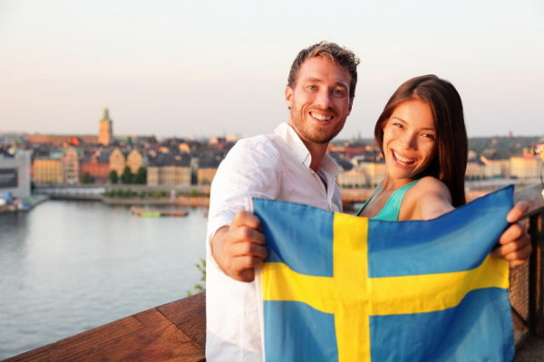 Пара с шведским флагом