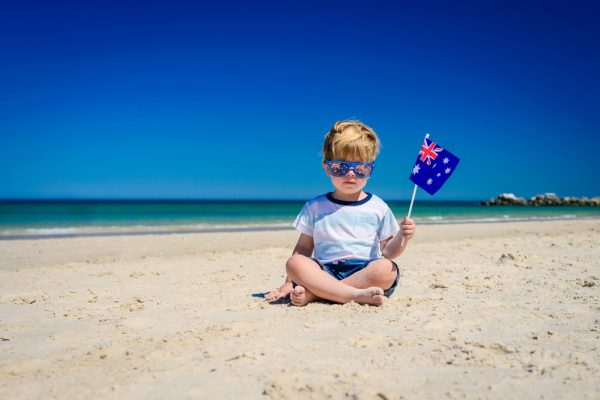 Ребенок с австралийским флагом