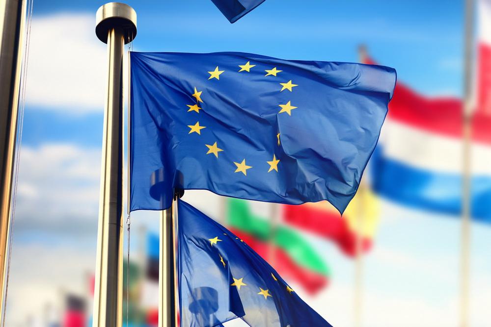 Почему для шенгенской визы нужна справка с места работы – и что делать безработным?
