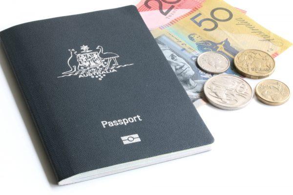 Паспорт Австралии и деньги