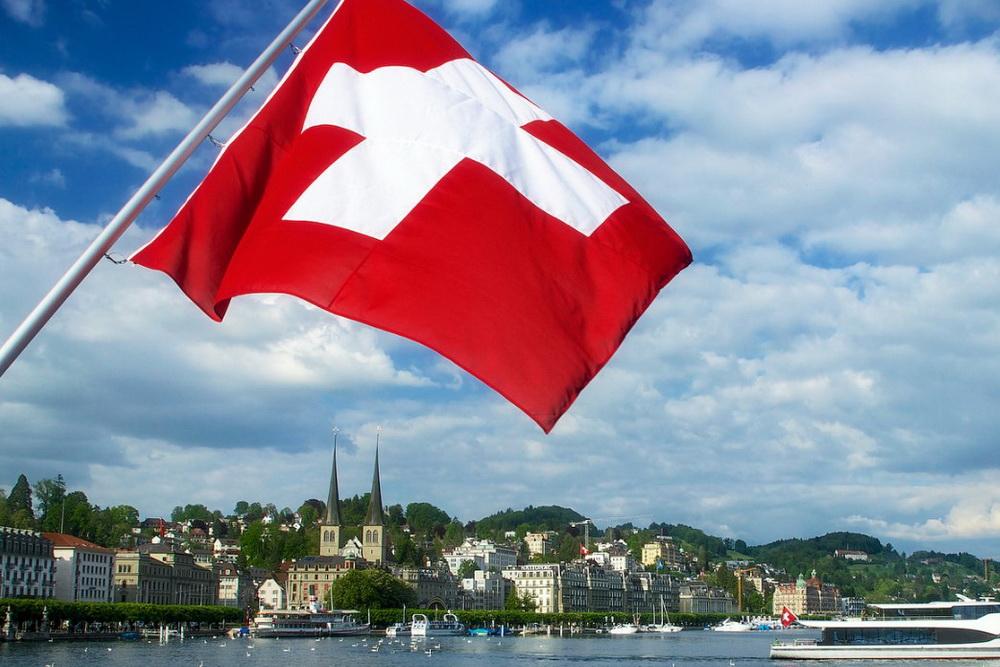 Работа в Швейцарии – призрачная розовая мечта о голубом озере?